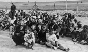 prigionieri-rom-in-un-lager-foto_fcit-usf-edu